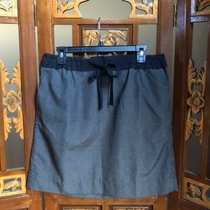 Gap Gray&Black Tie Front Mini Skirt Size M